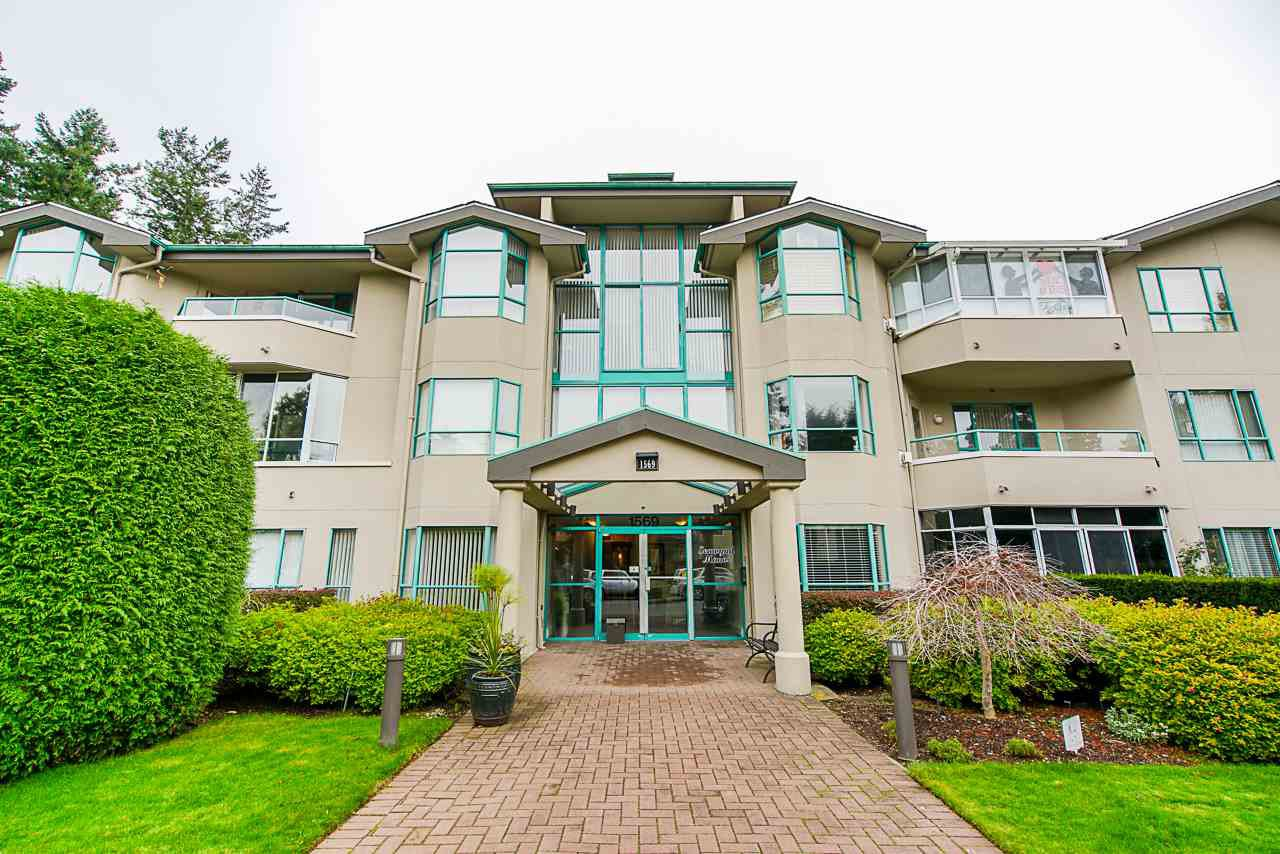 """Main Photo: 202 1569 EVERALL Street: White Rock Condo for sale in """"Seawynd Manor"""" (South Surrey White Rock)  : MLS®# R2513338"""