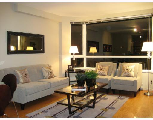 """Main Photo: 404 1688 CYPRESS Street in Vancouver: Kitsilano Condo for sale in """"YORKVILLE SOUTH"""" (Vancouver West)  : MLS®# V797521"""