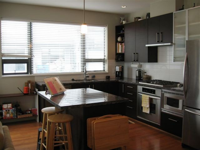 "Main Photo: 410 14300 RIVERPORT Way in Richmond: East Richmond Condo for sale in ""WATERSTONE PIER"" : MLS®# V850295"