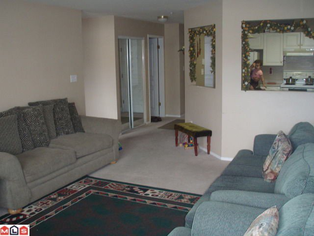 """Photo 4: Photos: 210 15885 84TH Avenue in Surrey: Fleetwood Tynehead Condo for sale in """"Abby Road"""" : MLS®# F1023767"""