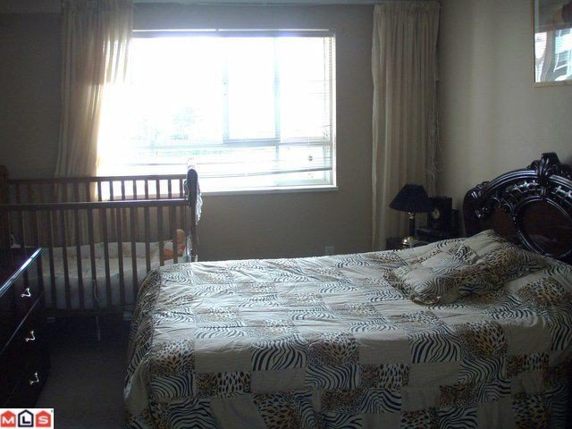"""Photo 6: Photos: 210 15885 84TH Avenue in Surrey: Fleetwood Tynehead Condo for sale in """"Abby Road"""" : MLS®# F1023767"""