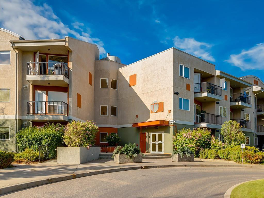Main Photo: 214 69 SPRINGBOROUGH Court SW in Calgary: Springbank Hill Apartment for sale : MLS®# C4273218