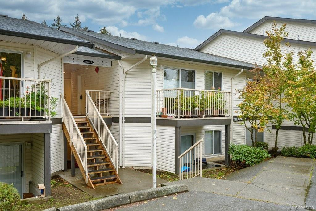Main Photo: 213 146 Back Rd in : CV Courtenay East Condo for sale (Comox Valley)  : MLS®# 858409