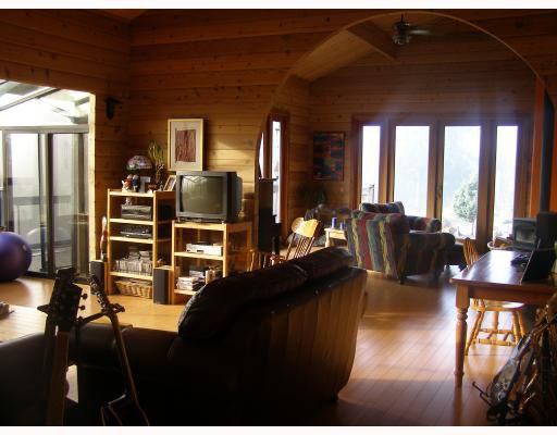 Photo 5: Photos: 980 JOE Road in Roberts_Creek: Roberts Creek House for sale (Sunshine Coast)  : MLS®# V749561