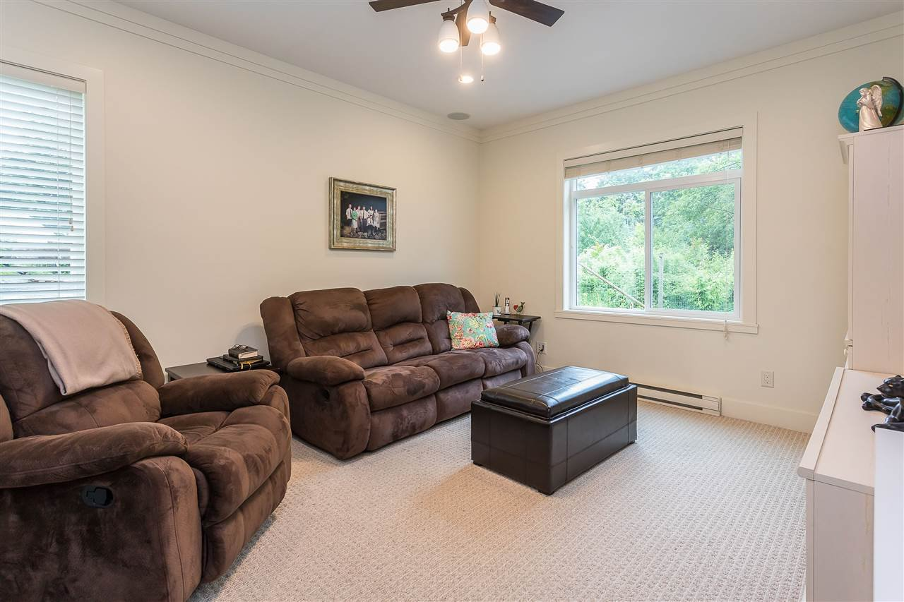 Photo 16: Photos: 34065 PRATT Crescent in Abbotsford: Central Abbotsford House for sale : MLS®# R2466240