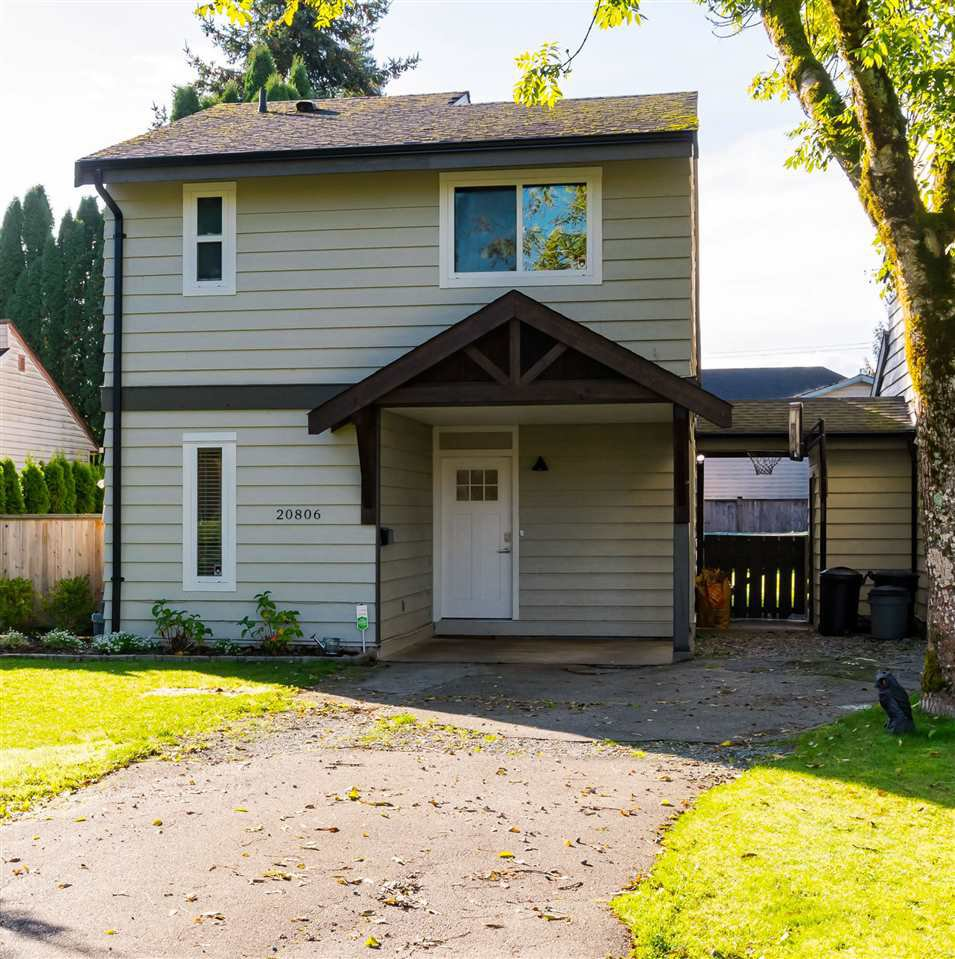 Main Photo: 20806 52A Avenue in Langley: Langley City 1/2 Duplex for sale : MLS®# R2518215