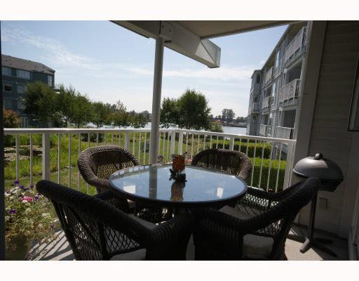 Main Photo: 215 2020 E KENT AVE SOUTH AVENUE in : South Marine Condo for sale (Vancouver East)  : MLS®# V782348
