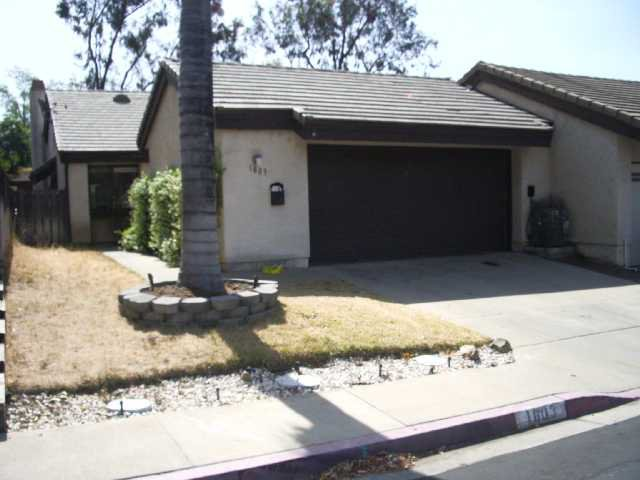 Main Photo: SOUTHWEST ESCONDIDO Residential for sale : 2 bedrooms : 1803 Castle Glen in Escondido