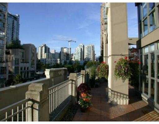"Photo 7: Photos: 201 1238 RICHARDS ST in Vancouver: Downtown VW Condo for sale in ""THE METROPOLIS"" (Vancouver West)  : MLS®# V553709"