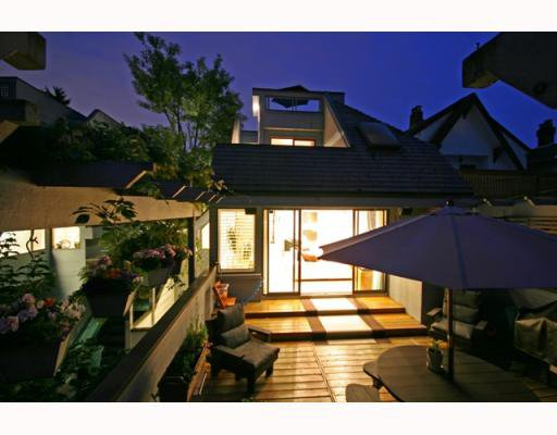Main Photo: 3153 W 3RD Avenue in Vancouver: Kitsilano House 1/2 Duplex for sale (Vancouver West)  : MLS®# V771650