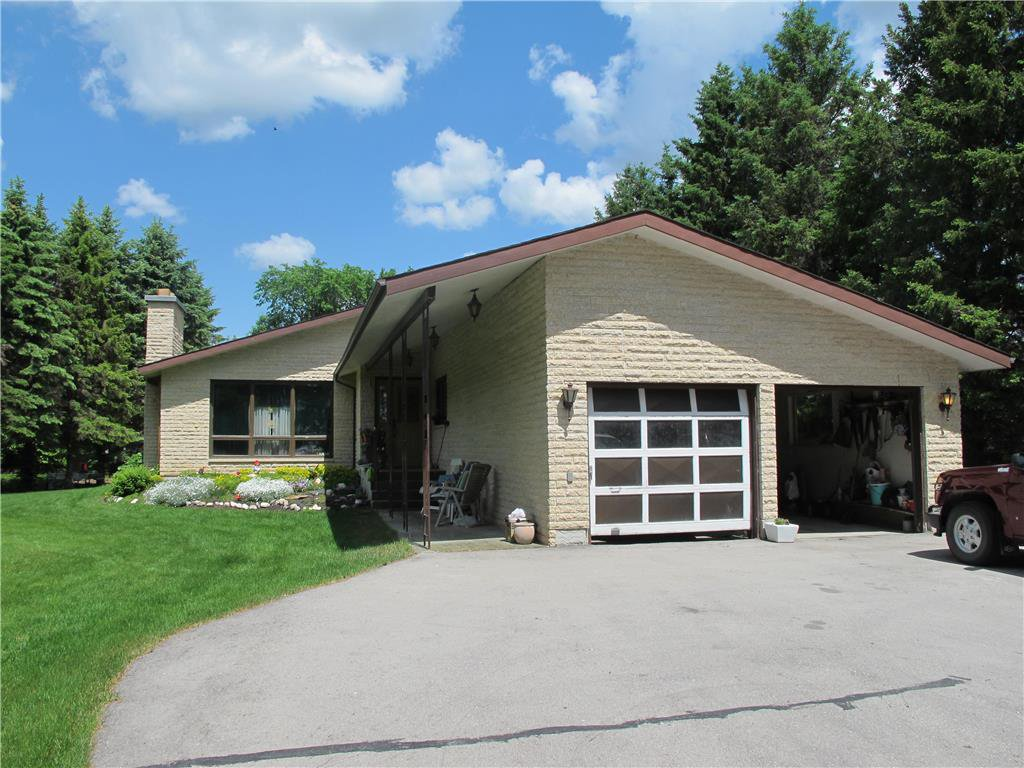 Main Photo: : Grosse Isle Residential for sale (R12)  : MLS®# 202010454