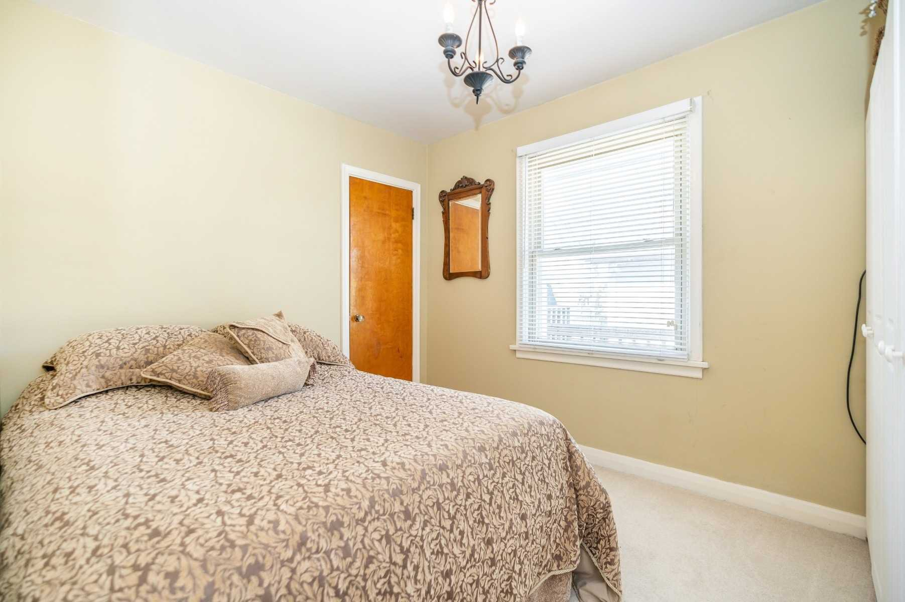 Photo 36: Photos: 40 Eastlawn Street in Oshawa: Donevan House (Bungalow) for sale : MLS®# E4769026