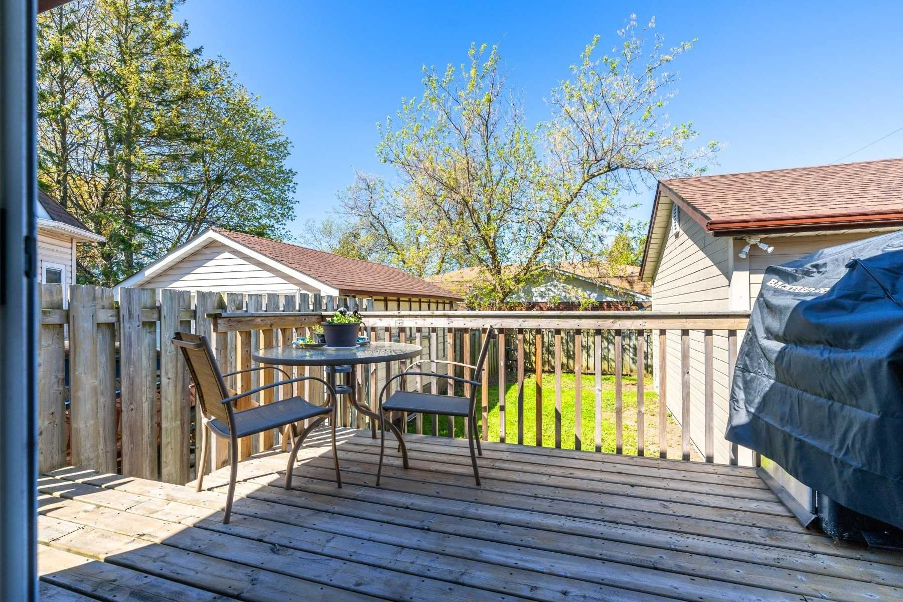 Photo 31: Photos: 40 Eastlawn Street in Oshawa: Donevan House (Bungalow) for sale : MLS®# E4769026