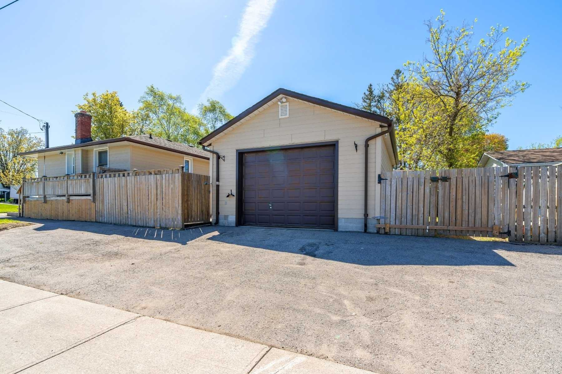 Photo 12: Photos: 40 Eastlawn Street in Oshawa: Donevan House (Bungalow) for sale : MLS®# E4769026