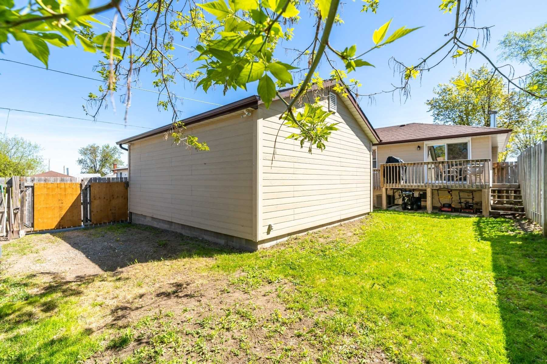 Photo 9: Photos: 40 Eastlawn Street in Oshawa: Donevan House (Bungalow) for sale : MLS®# E4769026
