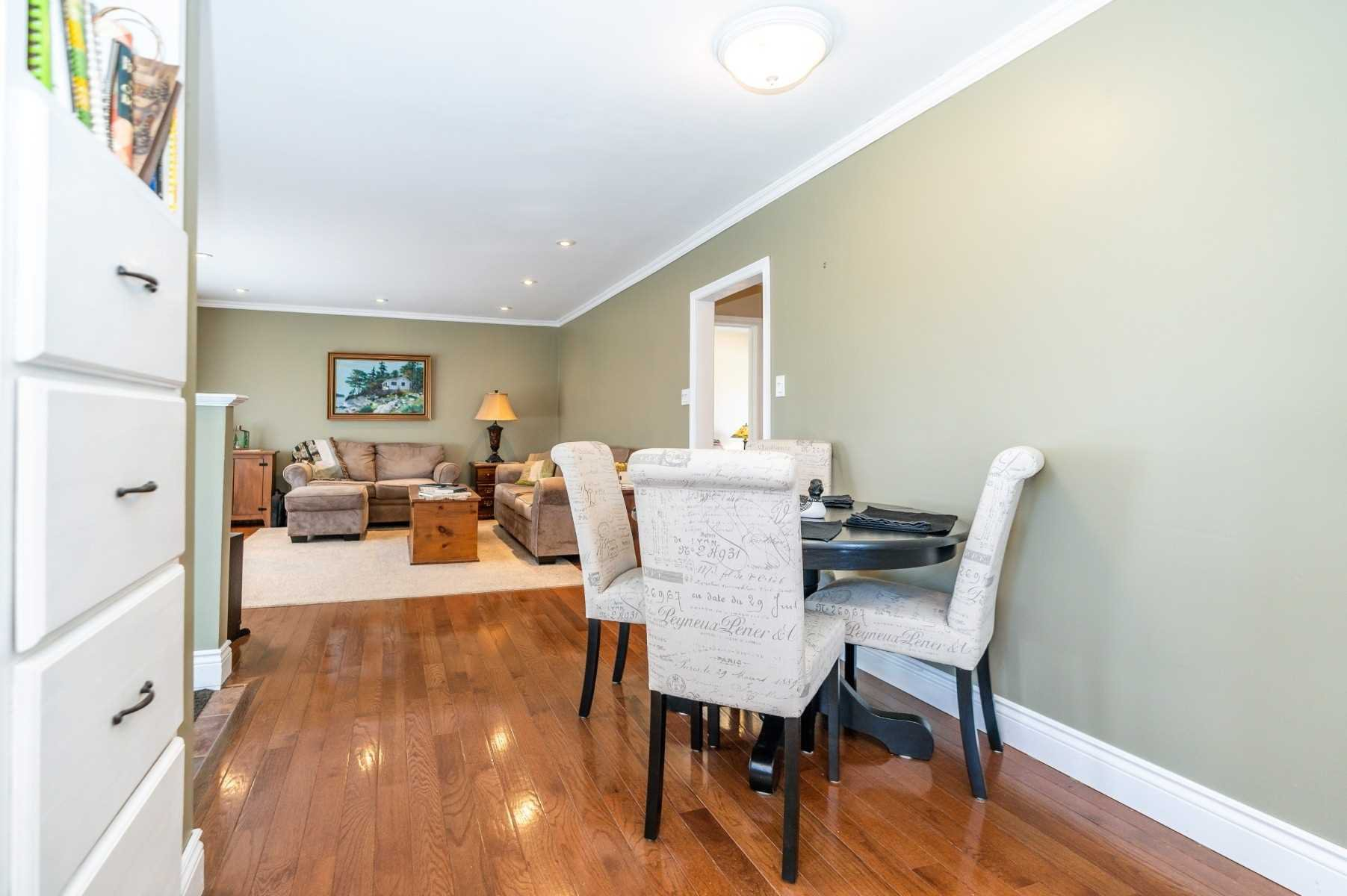 Photo 39: Photos: 40 Eastlawn Street in Oshawa: Donevan House (Bungalow) for sale : MLS®# E4769026