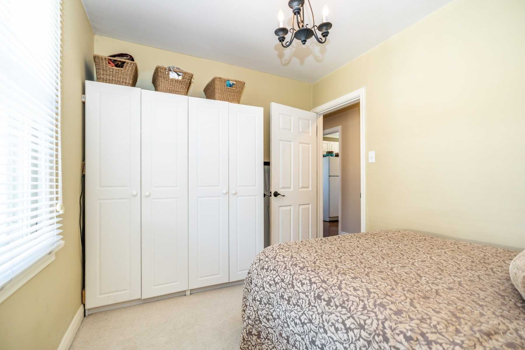 Photo 35: Photos: 40 Eastlawn Street in Oshawa: Donevan House (Bungalow) for sale : MLS®# E4769026