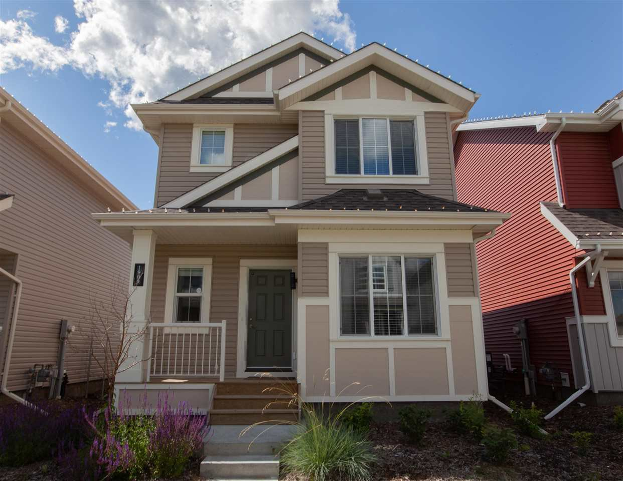 Main Photo: 1909 25A Street in Edmonton: Zone 30 House for sale : MLS®# E4214919