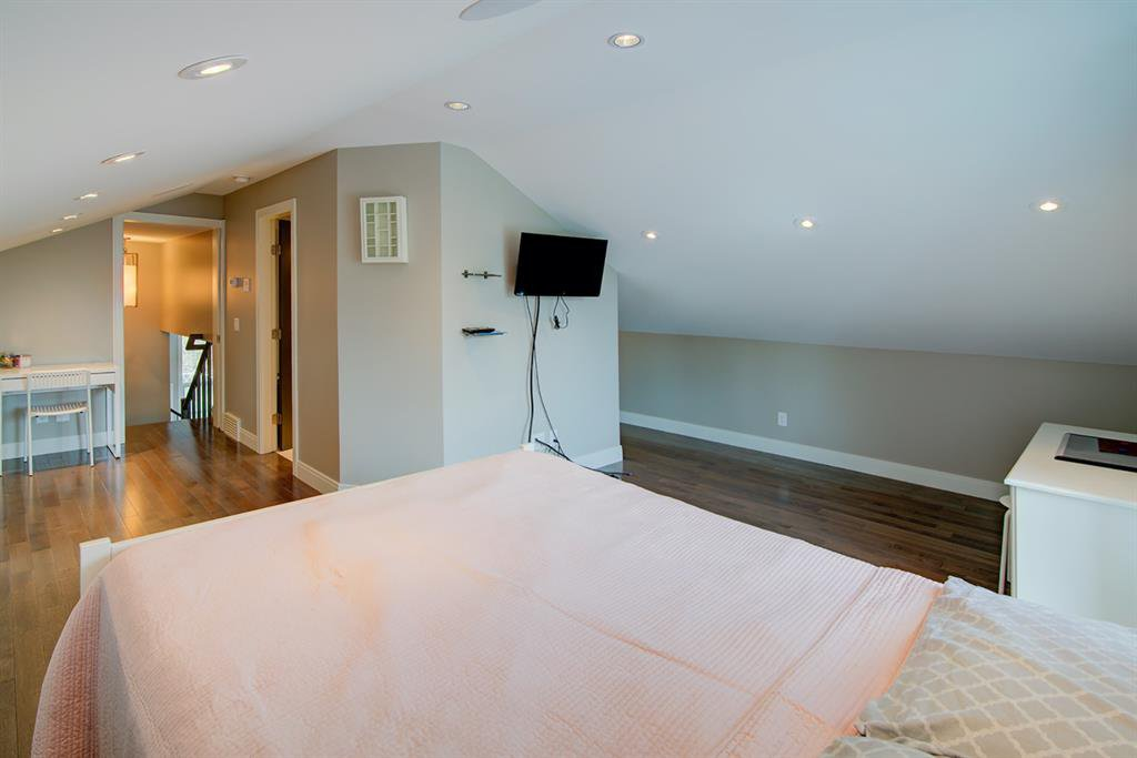 Photo 22: Photos: 40 Glenfield Road SW in Calgary: Glendale Detached for sale : MLS®# A1044172