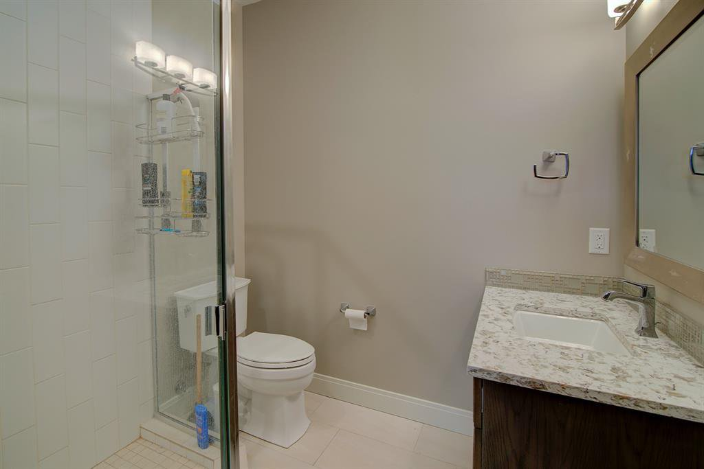 Photo 24: Photos: 40 Glenfield Road SW in Calgary: Glendale Detached for sale : MLS®# A1044172