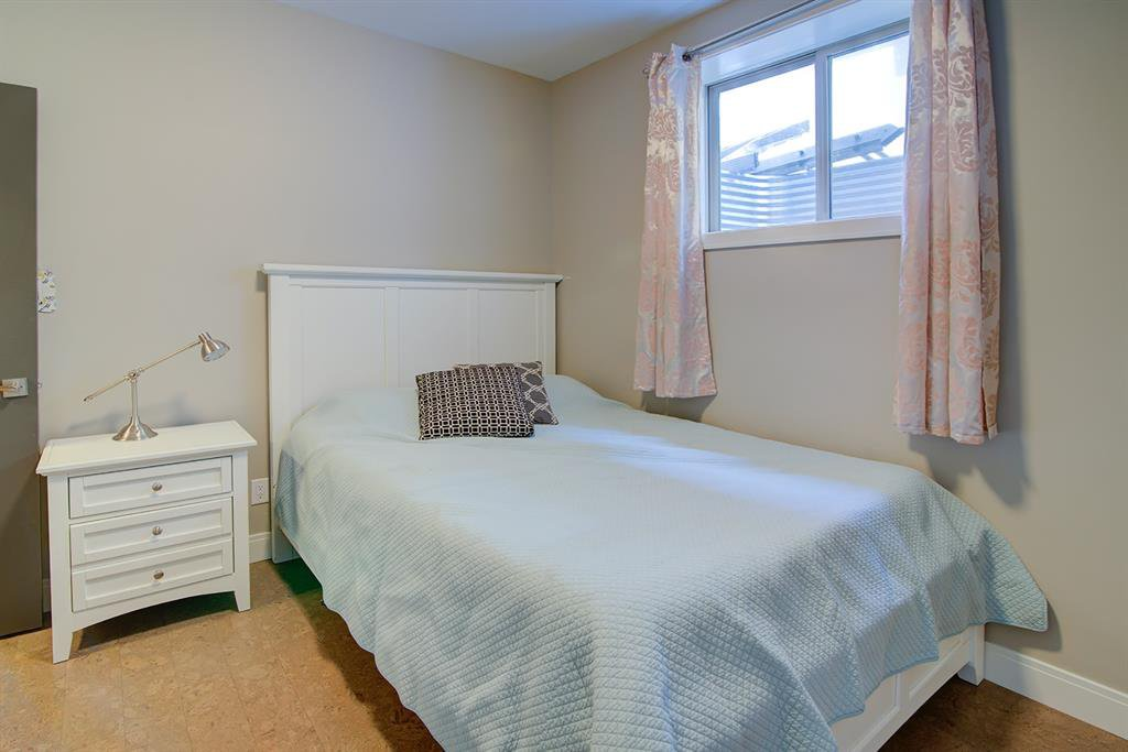 Photo 32: Photos: 40 Glenfield Road SW in Calgary: Glendale Detached for sale : MLS®# A1044172