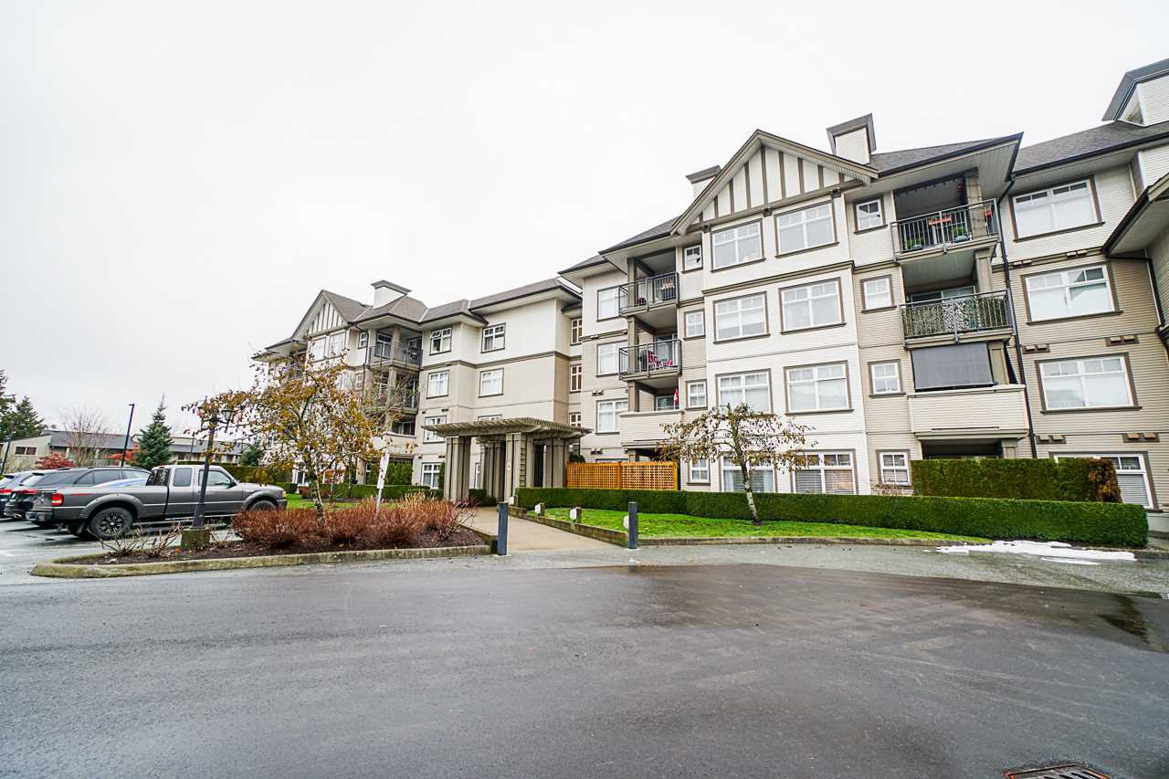 "Main Photo: 147 27358 32 Avenue in Langley: Aldergrove Langley Condo for sale in ""Willow Creek Phase 4"" : MLS®# R2524910"