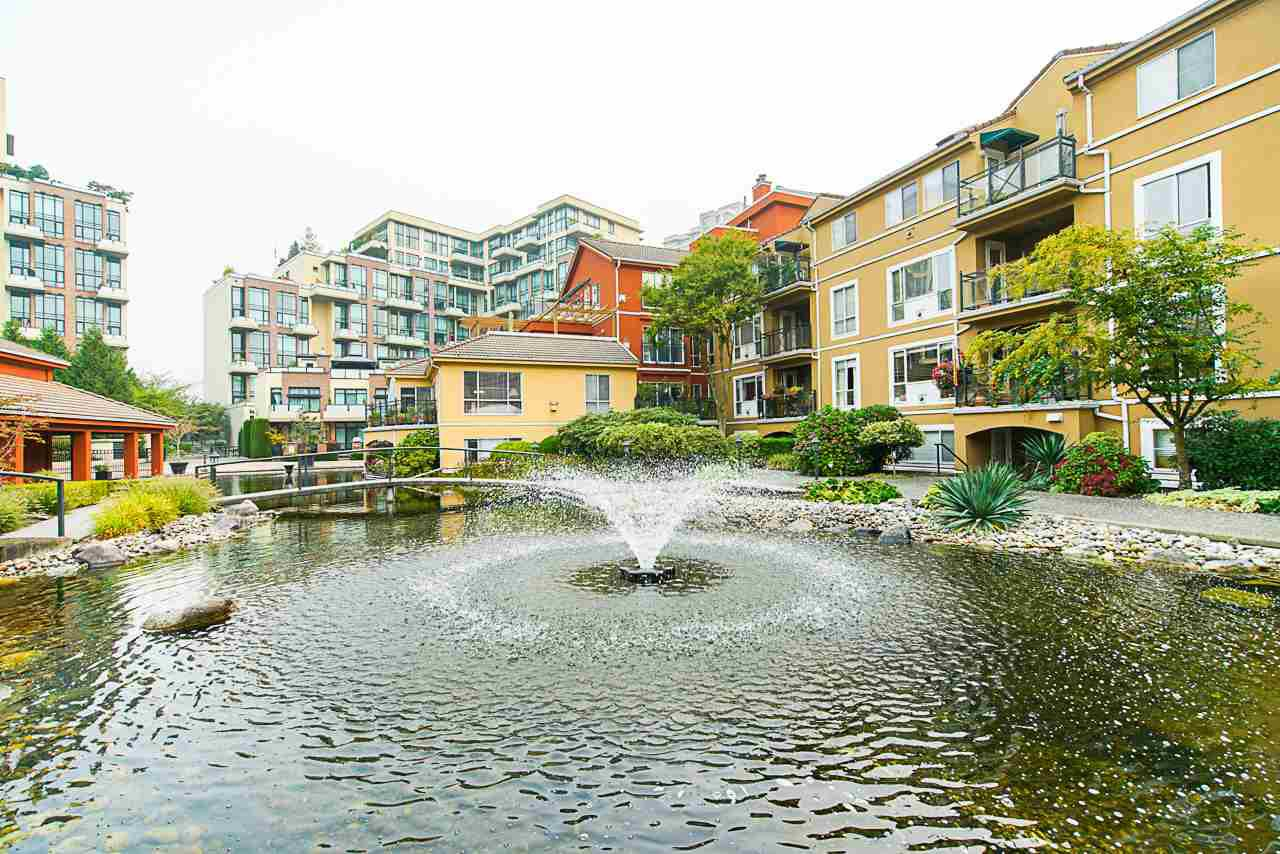"""Main Photo: 208 6 RENAISSANCE Square in New Westminster: Quay Condo for sale in """"CARNARVON TOWERS"""" : MLS®# R2525705"""
