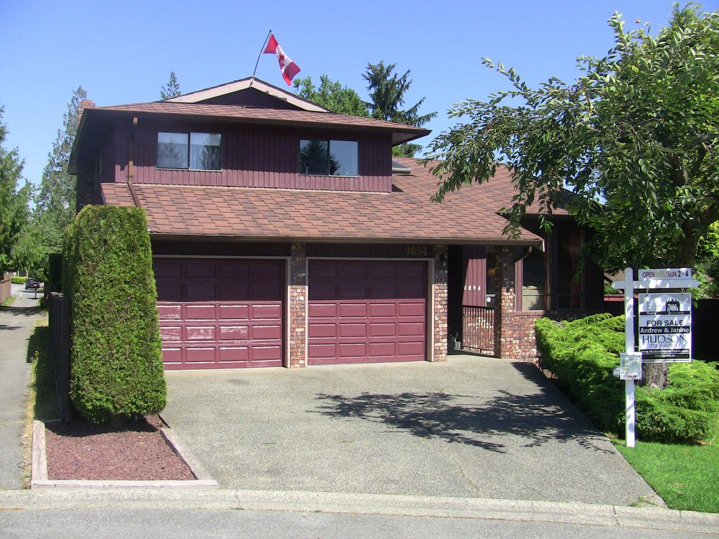 Main Photo: 9894 156A Street in Surrey: Guildford House for sale (North Surrey)  : MLS®# F1020916