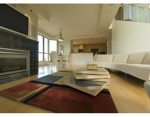 """Main Photo: PH 4 867 HAMILTON ST in Vancouver: Downtown VW Condo for sale in """"JARDINE'S LOOKOUT"""" (Vancouver West)  : MLS®# V601109"""