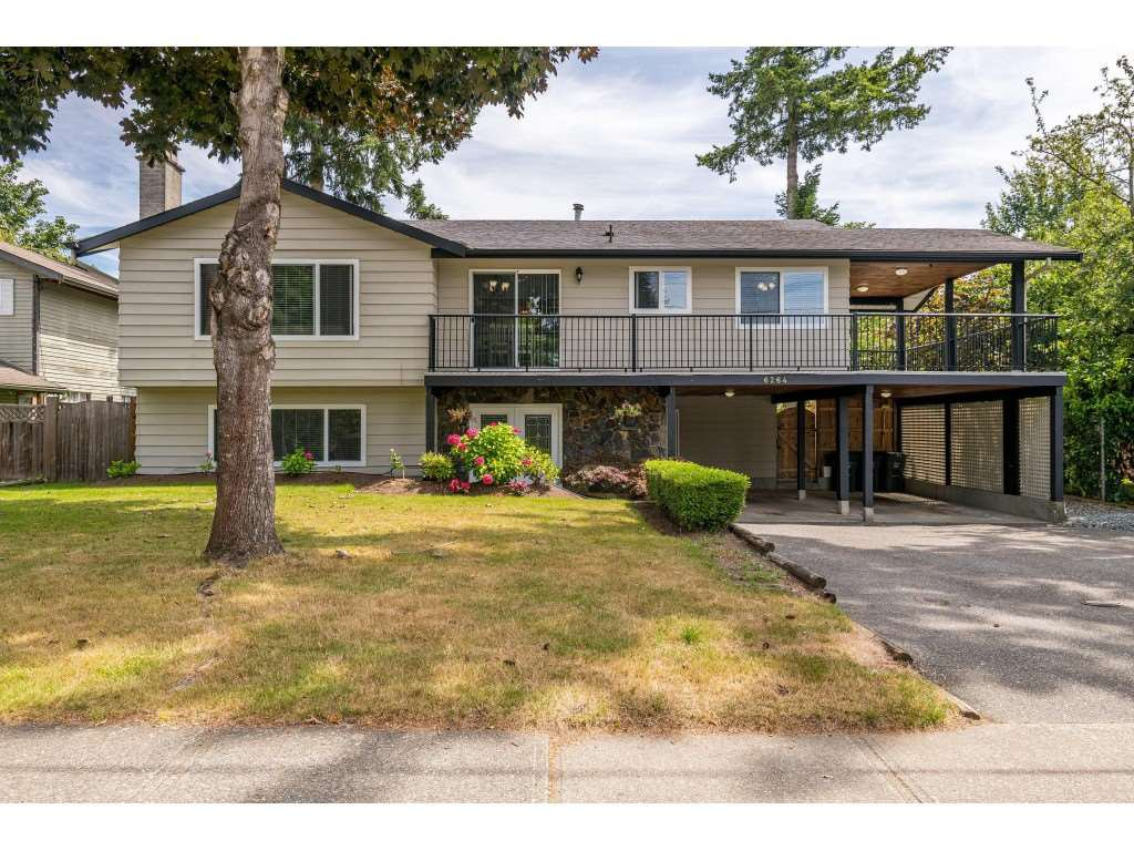 "Main Photo: 6264 181A Street in Surrey: Cloverdale BC House for sale in ""Hilltop"" (Cloverdale)  : MLS®# R2392010"