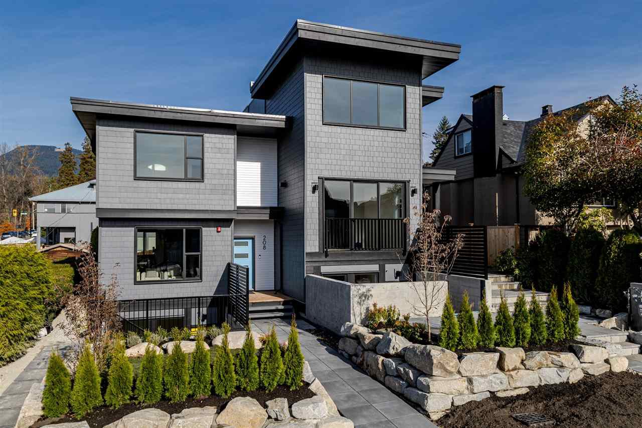 Main Photo: 208 E 22ND Street in North Vancouver: Central Lonsdale House 1/2 Duplex for sale : MLS®# R2427333