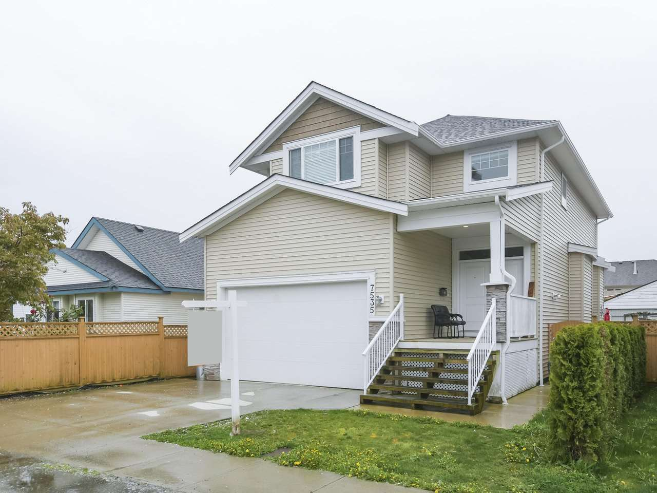 Main Photo: 7535 WELTON Street in Mission: Mission BC House for sale : MLS®# R2484192