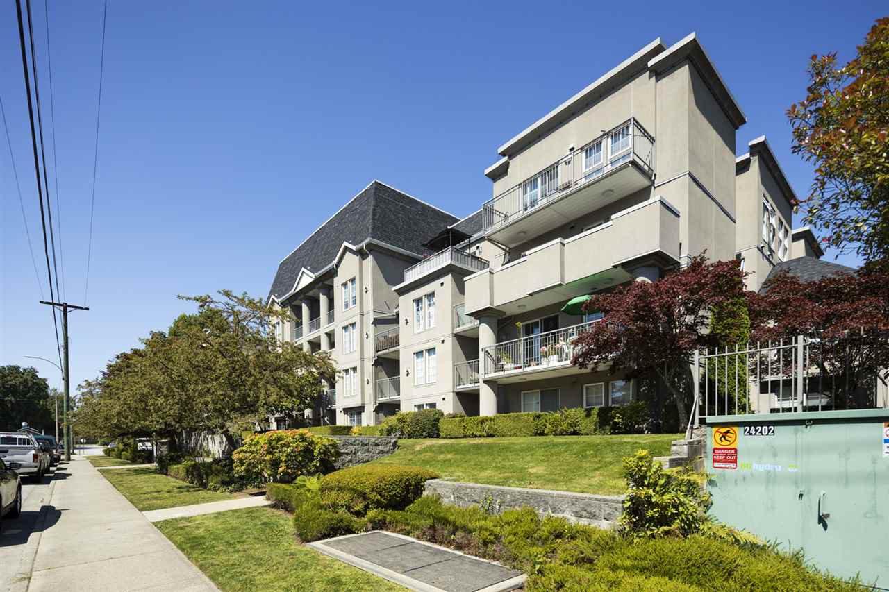 "Main Photo: 311 1669 GRANT Avenue in Port Coquitlam: Glenwood PQ Condo for sale in ""THE CHARLESTON"" : MLS®# R2488129"