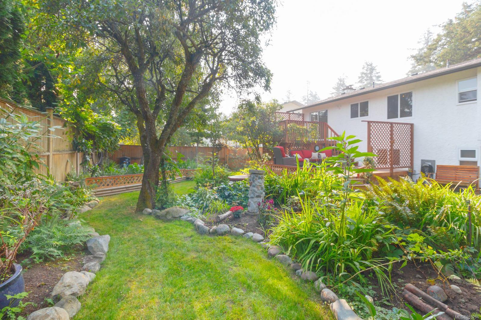 Main Photo: 1188 Craigflower Rd in : Es Kinsmen Park Single Family Detached for sale (Esquimalt)  : MLS®# 855294