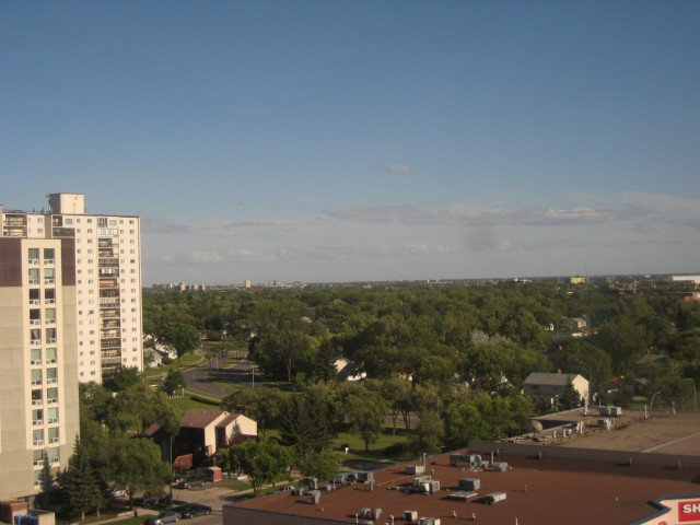 Photo 11: Photos: 200 TUXEDO Avenue in WINNIPEG: River Heights / Tuxedo / Linden Woods Condominium for sale (South Winnipeg)  : MLS®# 1012248