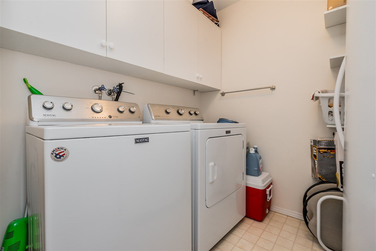 "Photo 16: Photos: 209 2626 COUNTESS Street in Abbotsford: Abbotsford West Condo for sale in ""The Wedgewood"" : MLS®# R2396914"