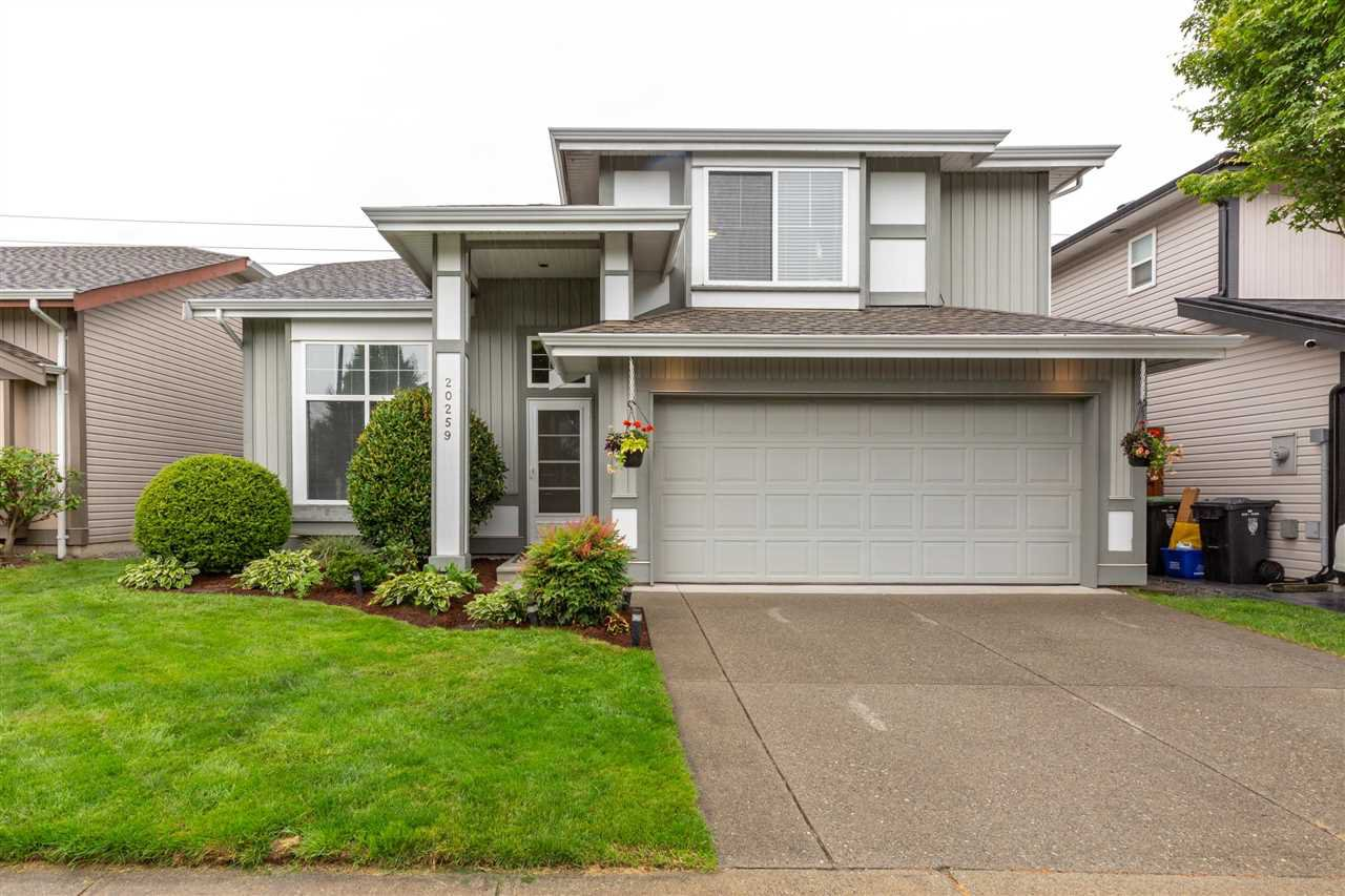 Main Photo: 20259 94B AVENUE in Langley: Walnut Grove House for sale : MLS®# R2476023