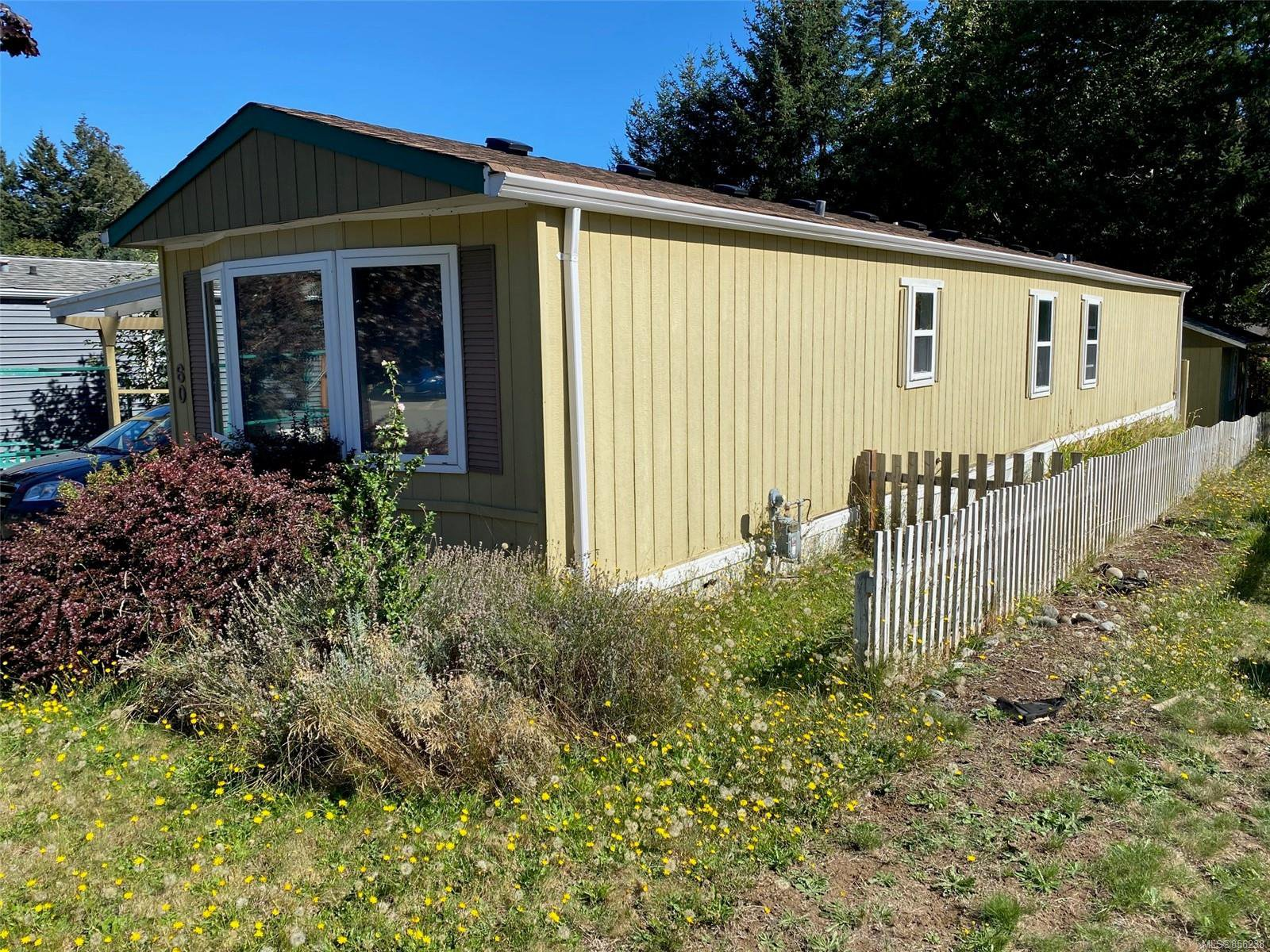 Main Photo: 60 1901 E Ryan Rd in : CV Comox Peninsula Manufactured Home for sale (Comox Valley)  : MLS®# 856238