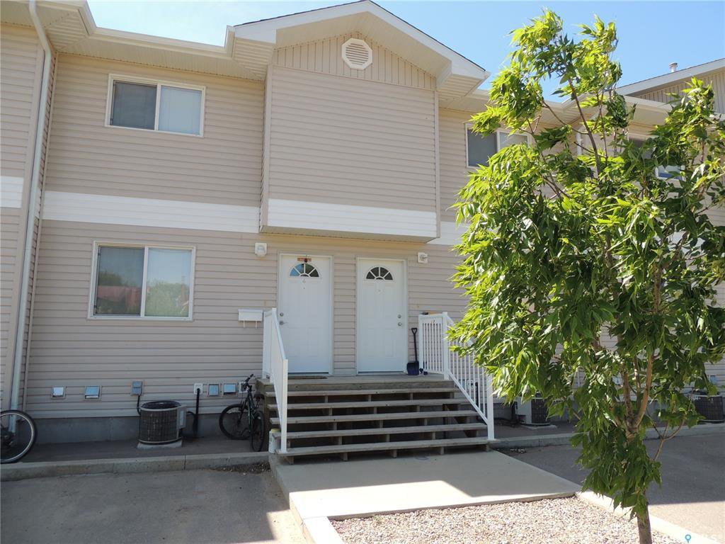 Main Photo: 12 1437 1st Street in Estevan: Westview EV Residential for sale : MLS®# SK827656