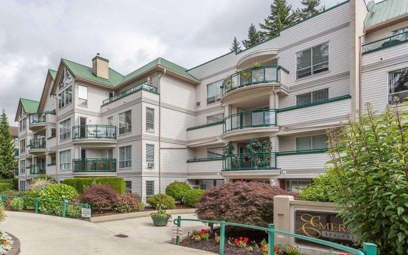 """Main Photo: 405 33280 E BOURQUIN Crescent in Abbotsford: Central Abbotsford Condo for sale in """"Emerald Springs"""" : MLS®# R2517420"""