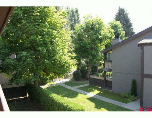 "Main Photo: 515 34909 OLD YALE Road in Abbotsford: Abbotsford East Townhouse for sale in ""THE GARDENS"" : MLS®# F2926362"