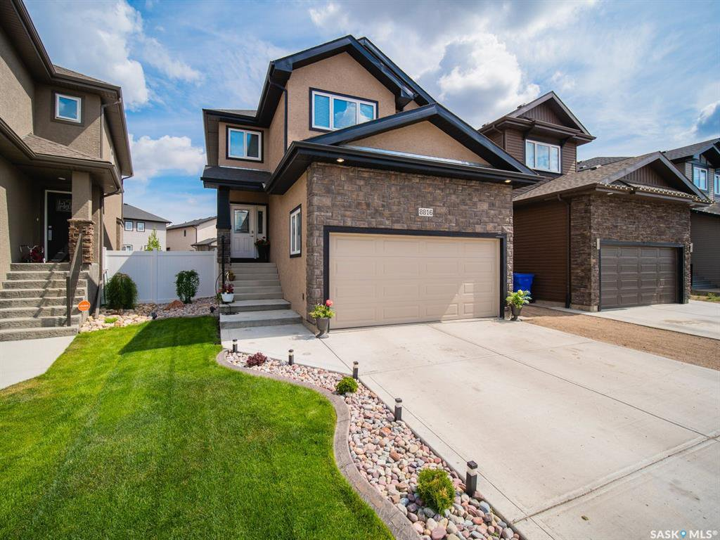 Main Photo: 8816 Kestral Drive in Regina: Edgewater Single Family Dwelling for sale : MLS®# SK785054