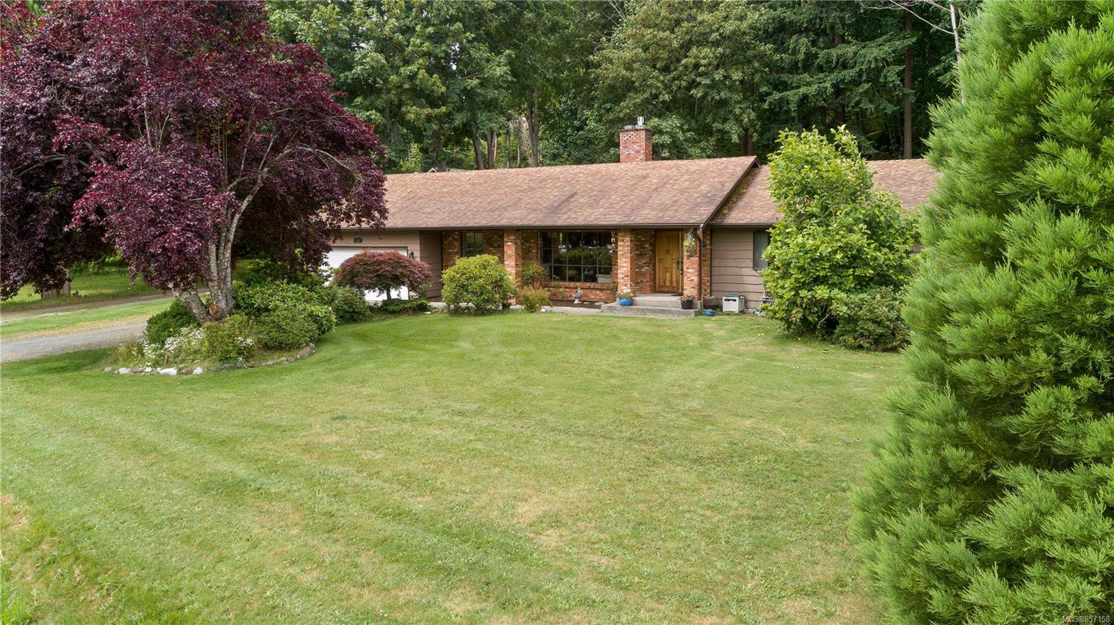 Main Photo: 2520 Spring Rd in : CR Campbell River North House for sale (Campbell River)  : MLS®# 857158