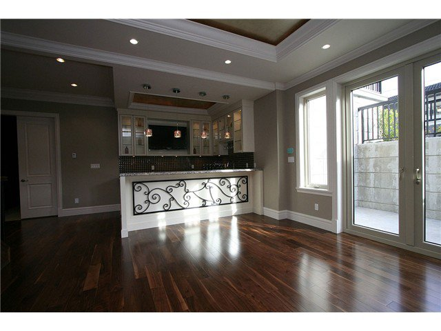 Photo 7: Photos: 1088 W 51ST Avenue in Vancouver: South Granville House for sale (Vancouver West)  : MLS®# V810799