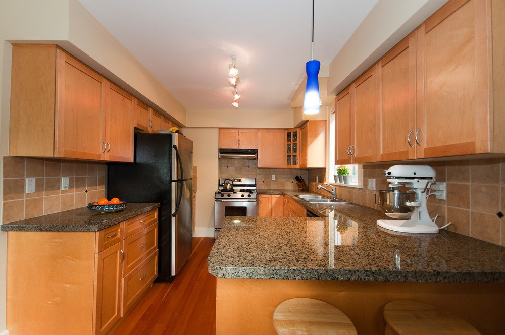 Photo 10: Photos: 3536 W 13TH Avenue in Vancouver: Kitsilano House for sale (Vancouver West)  : MLS®# V865344