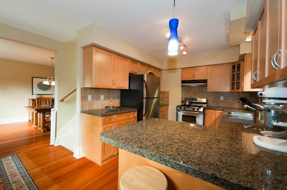 Photo 11: Photos: 3536 W 13TH Avenue in Vancouver: Kitsilano House for sale (Vancouver West)  : MLS®# V865344