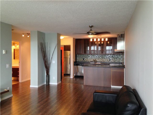 """Photo 5: Photos: 2101 3970 CARRIGAN Court in Burnaby: Government Road Condo for sale in """"HARRINGTON"""" (Burnaby North)  : MLS®# R2391292"""