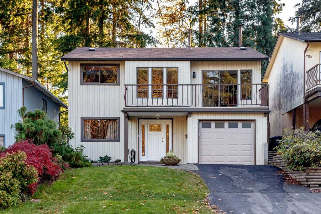 Main Photo: 241 ANGELA Drive in Port Moody: College Park PM House for sale : MLS®# R2417726