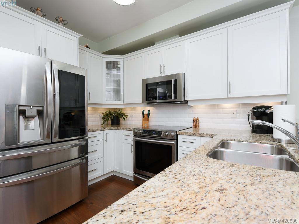 Main Photo: 218 2710 Jacklin Rd in VICTORIA: La Langford Proper Condo for sale (Langford)  : MLS®# 833056