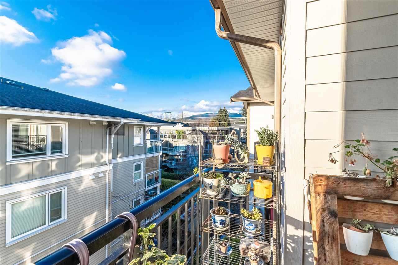 """Main Photo: 414 2343 ATKINS Avenue in Port Coquitlam: Central Pt Coquitlam Condo for sale in """"THE PEARL"""" : MLS®# R2523794"""